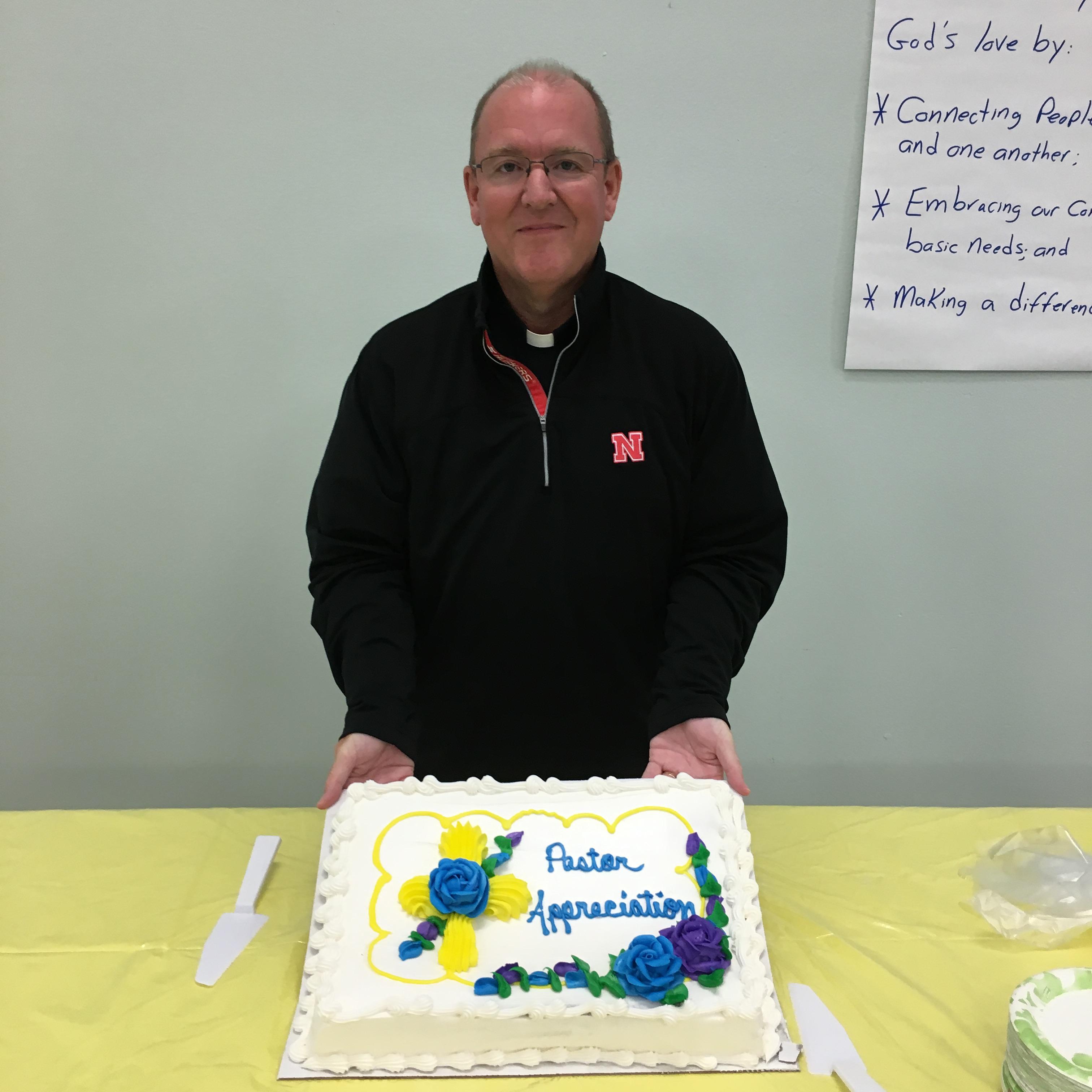 pastor-appreciation-me-cake